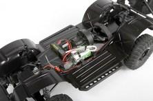 Der Unterboden schützt den Motor und Fahrtenregler vor Dreck