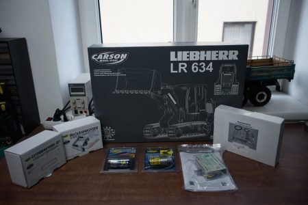 Laderaupe LR634 mit Zubehör
