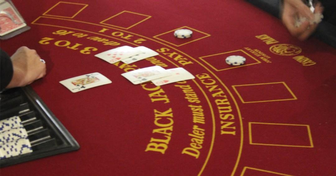 blackjack table dealer