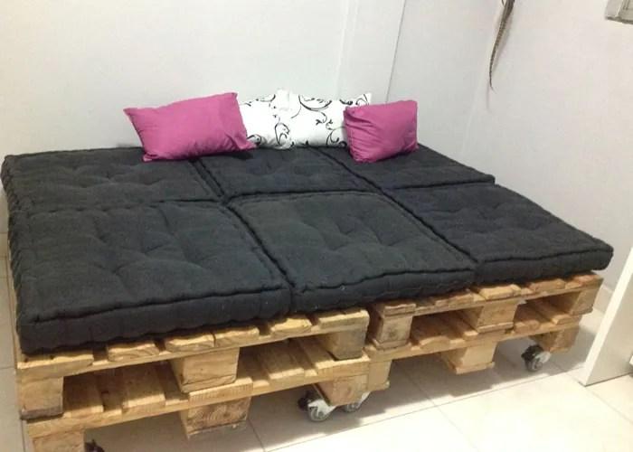 10 imagem sofa feito de pallets - Sofá De Pallet Para Sala Móveis Feito De Paletes (Imagens De Inspiração).