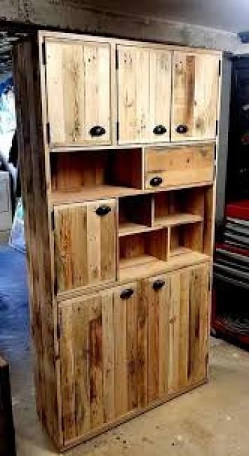 4 armario de cozinha 164x300 - Armário De Cozinha De Pallet:  Inspire-se Em Ideias De Móveis De Paletes.