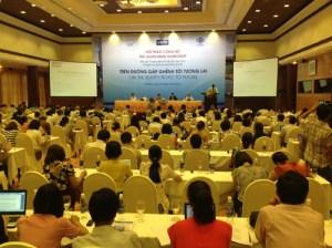 Hội thảo công bố báo cáo kinh tế thường niên Việt Nam năm 2013