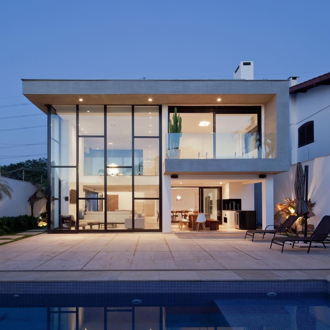 conquiste-luxo-e-modernidade-com-fachadas-de-vidro