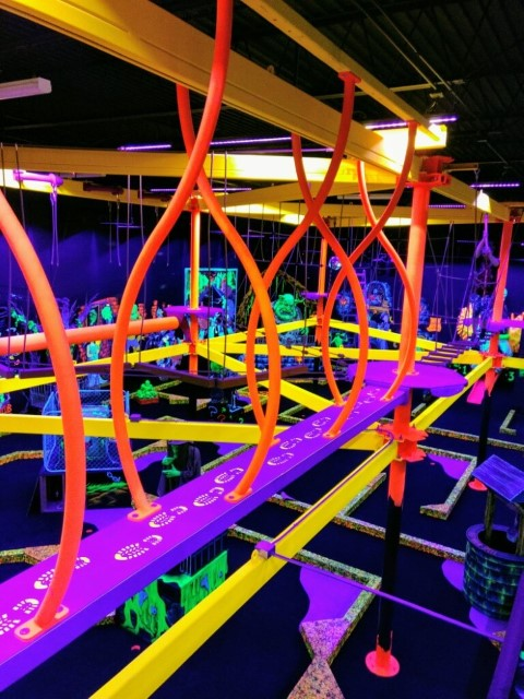 Sky Trail Discovery Blacklight FEC Indoor Ropes Courses
