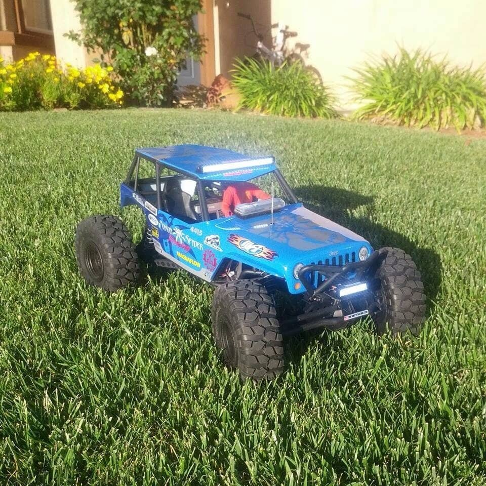 1 driver + 1 Axial Wraith = 1 around-the-clock challenge!