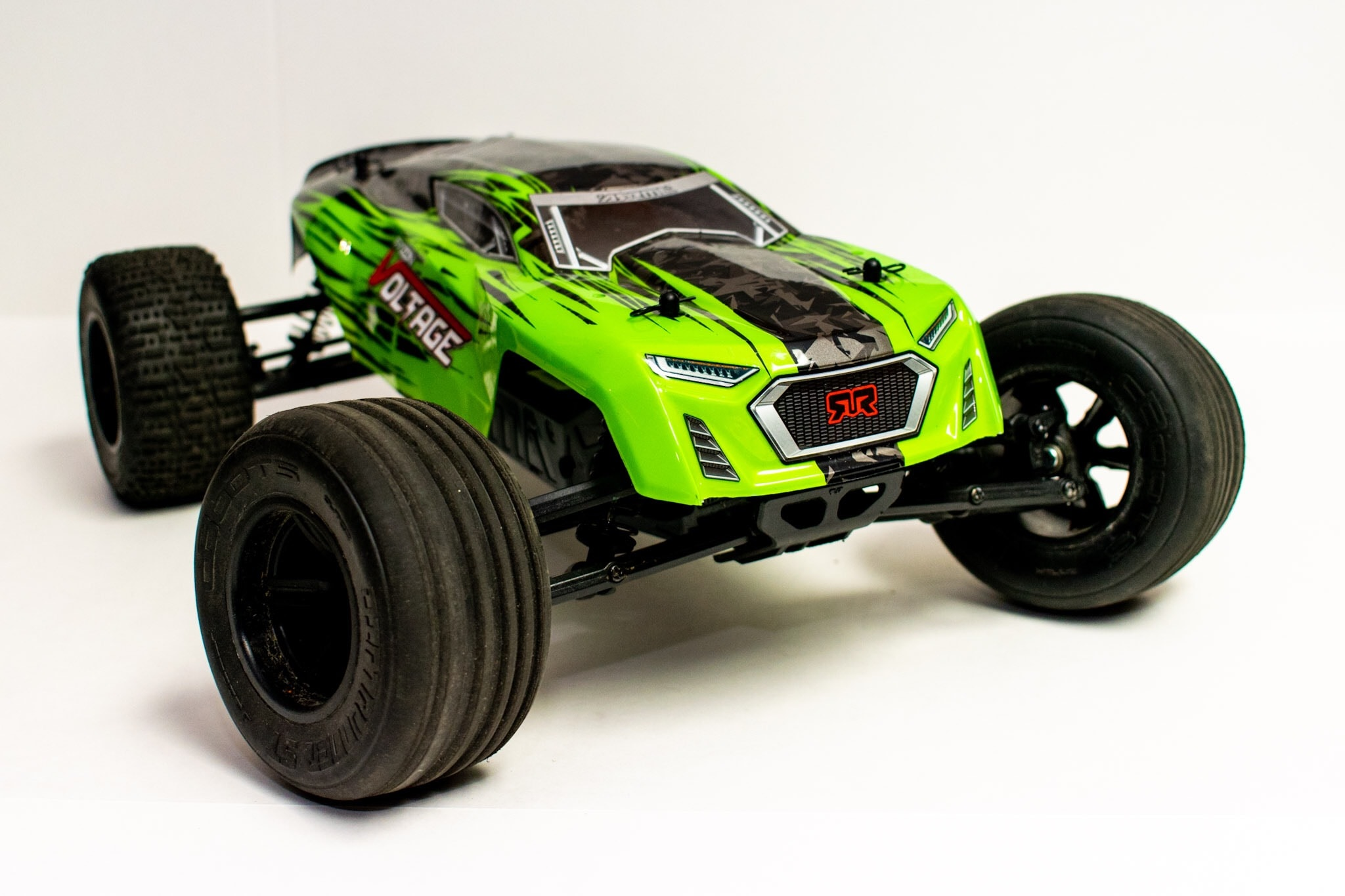 Review: ARRMA Fazon Voltage