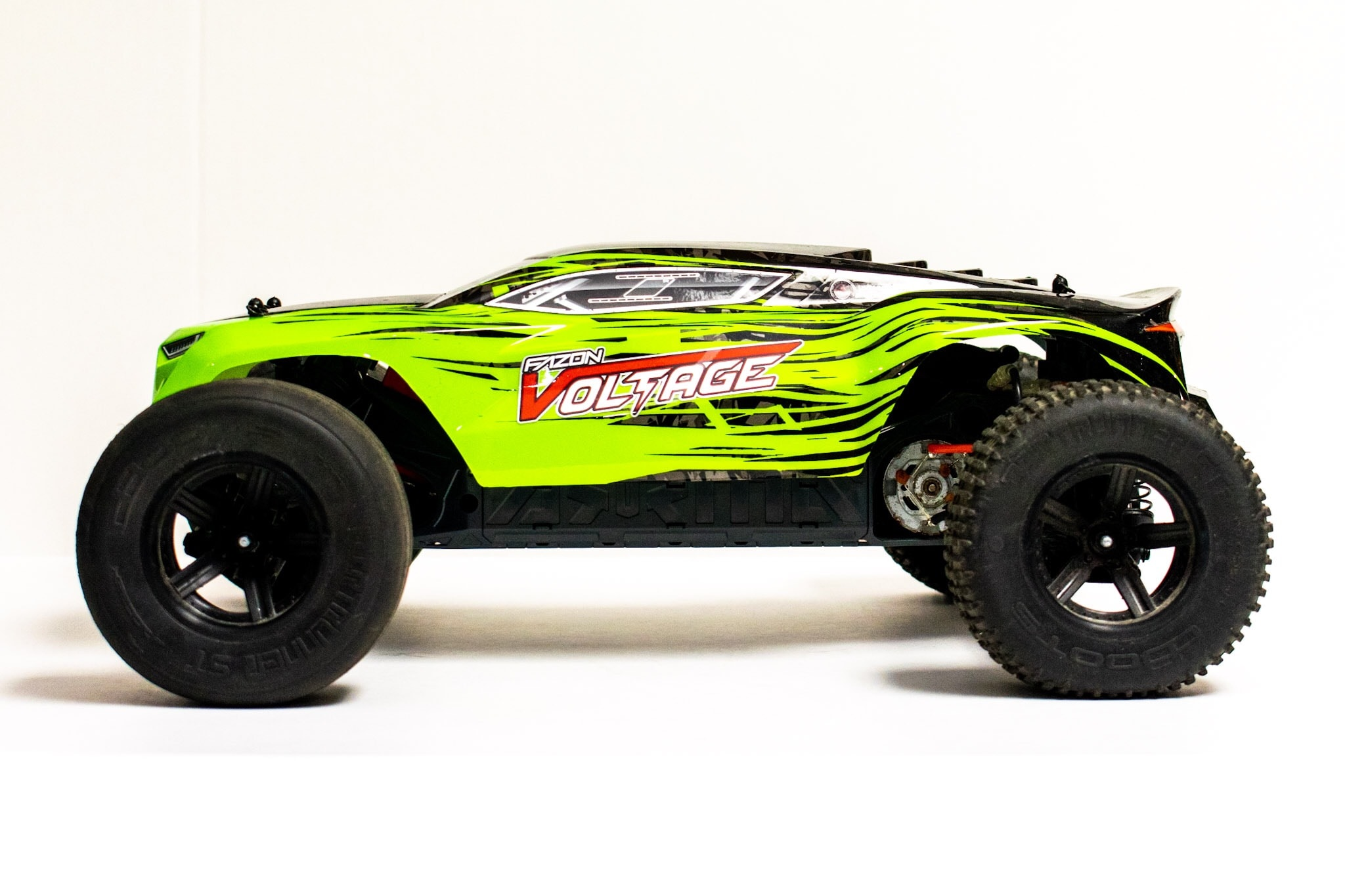 ARRMA Fazon Voltage Studio - Side