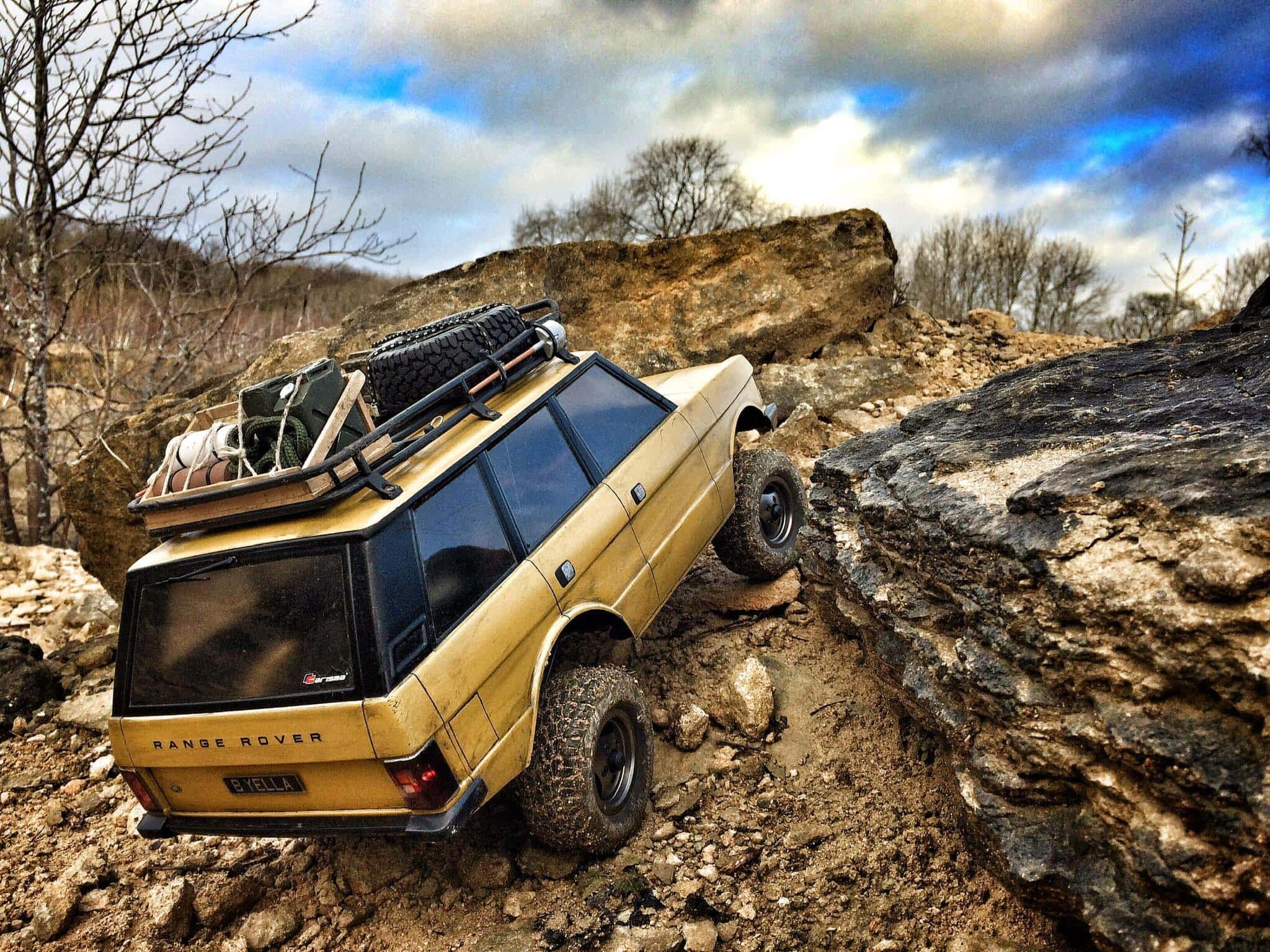 Adam Clift's Regal & Weathered Carisma SCA-1E Range Rover