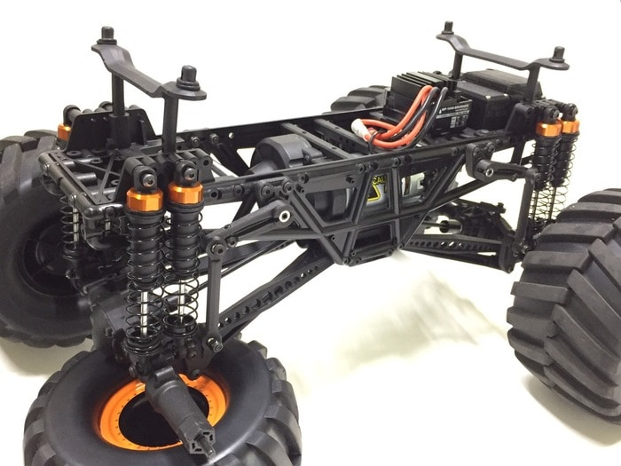 CEN Racing Ford B50 Solid-axle Monster Truck - Chassis Detail
