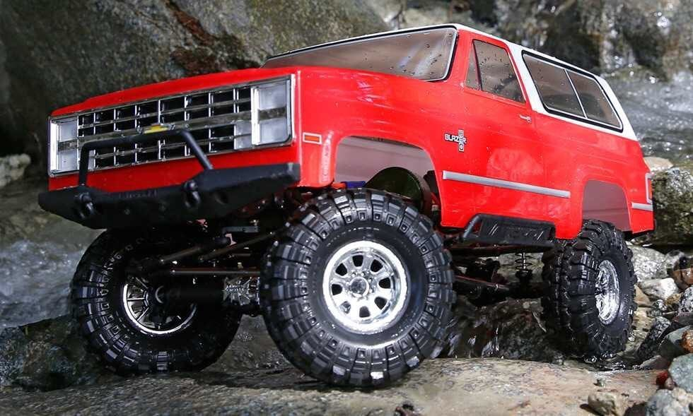 Vaterra's Ascender Chevy Blazer is Ready to Rock