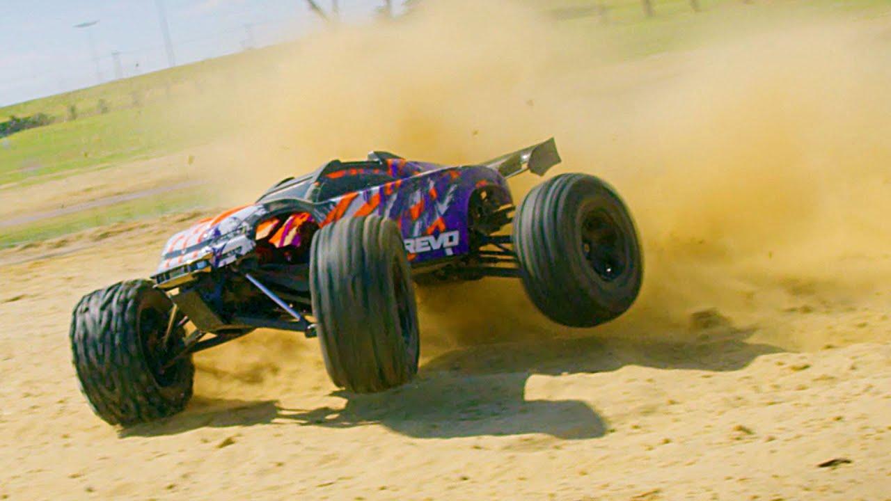 A Sand-scorching Traxxas E-Revo Bash Session [Video]