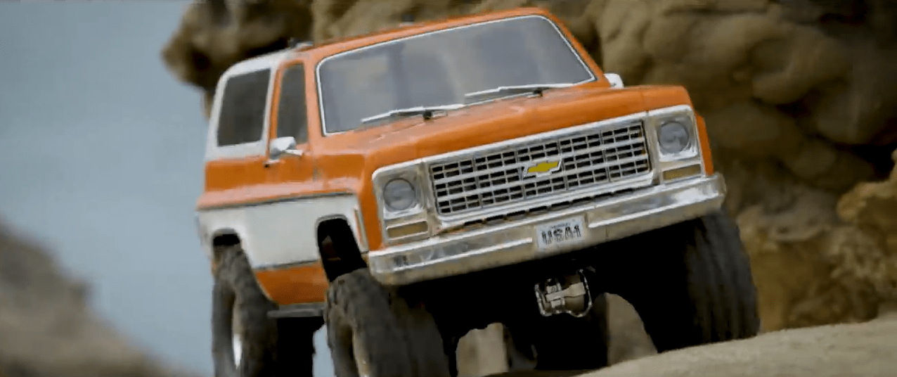 Take a Trip to a Beachfront Crawling Paradise with the TRX-4 Chevy K5 Blazer [Video]