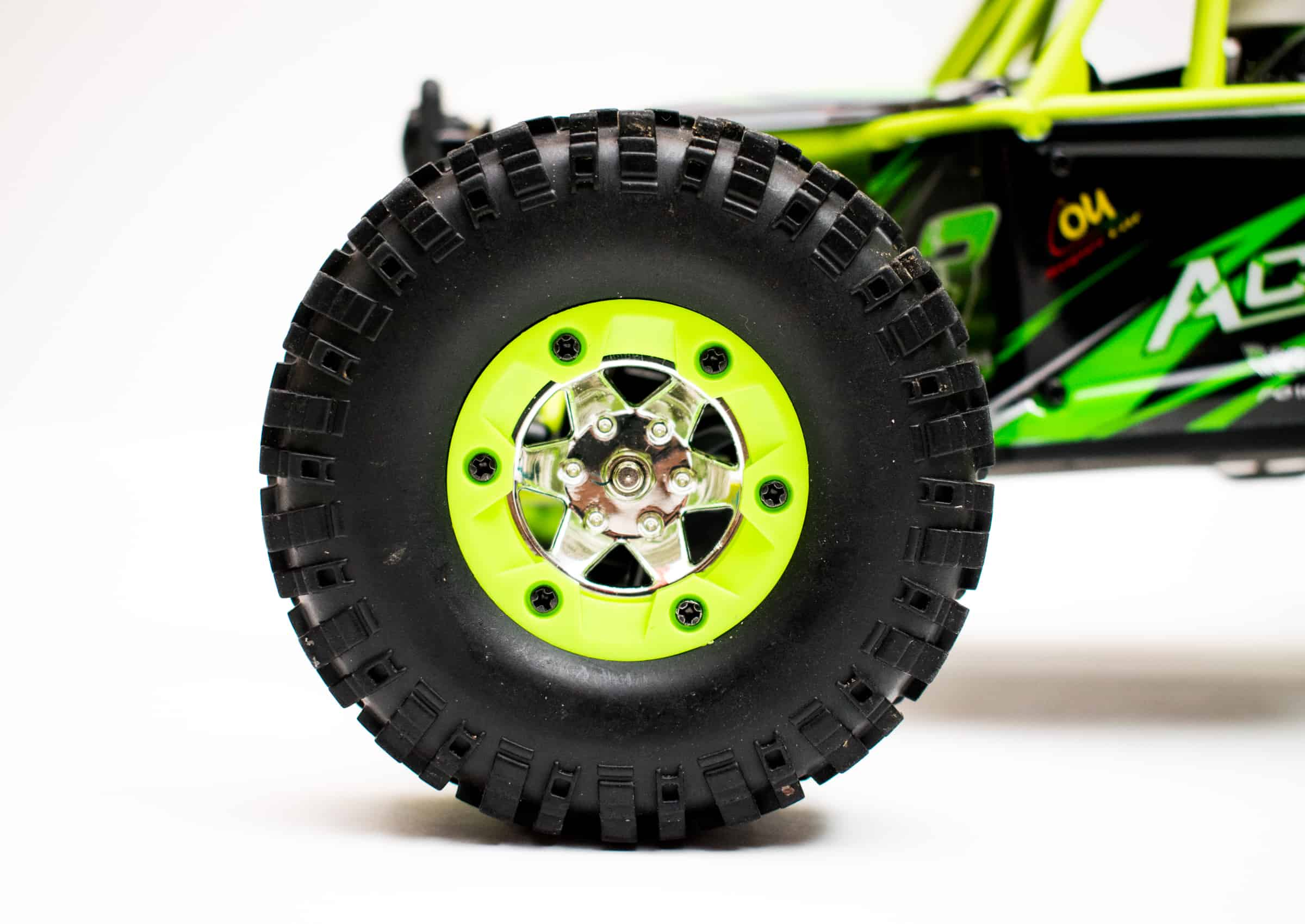 WLToys 12428 - Front Tire Close