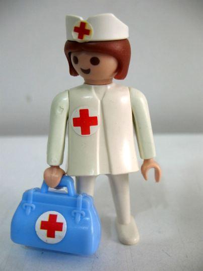 enfermera-playmobil