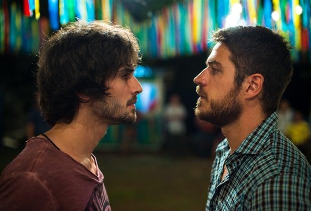 """Ruy e Zeca disputam o coração de Ritinha, em cidade fictícia de """"A Força do Querer"""""""