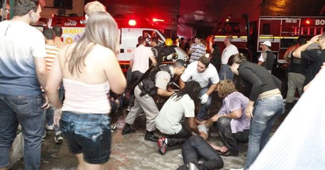 """Enquanto Globo noticiou tragédia, Record exibia """"Pica-Pau"""" e SBT, """"Domingo Leal"""""""