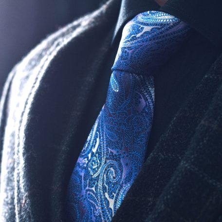 Luxurious blue paisley pattern necktie