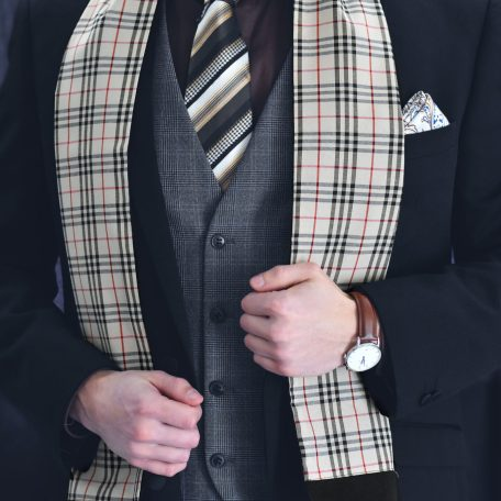 All year round scarf in plaid pattern