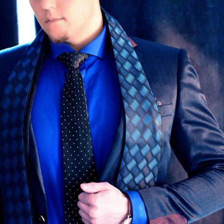 Elegant men's luxury scarf for formal occasions