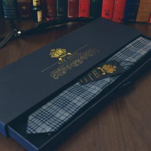 Luxusná bavlnená kravata šedej, sivej farby kockovaného vzoru