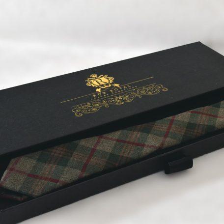 Zeleno červená bavlnená kravata z prémiovej bavlny RDB Royal v luxusnom darčekovom balení v prevedení SLIM