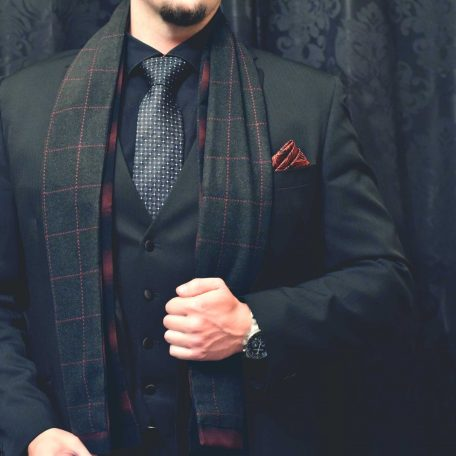 Čierno červený hodvábny pánsky kockovaný šál