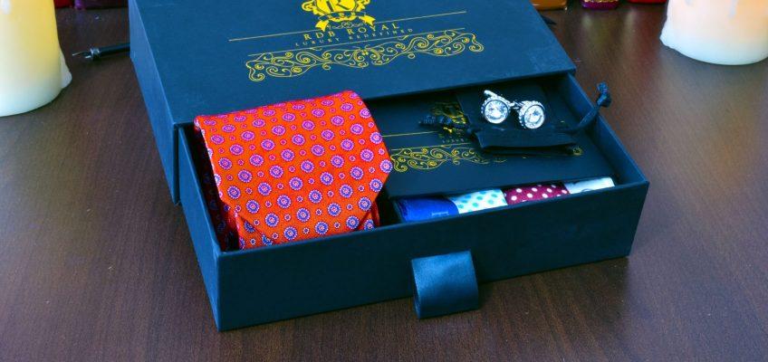 Červeno Oranžový luxusný hodvábny pánsky darčekový set s dvomi vreckovkami do saka a gombíkmi Swarovski