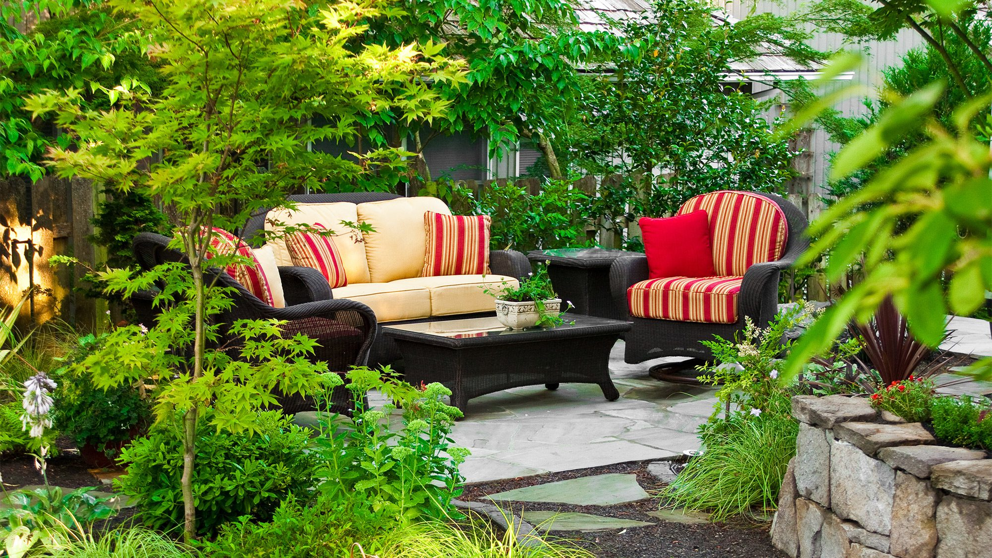 6 mistakes to avoid when buying outdoor furniture