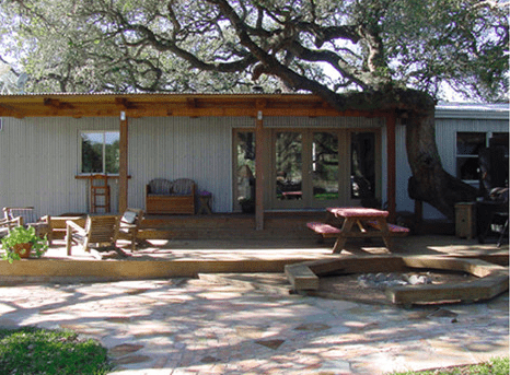 mobile home with covered entranceway