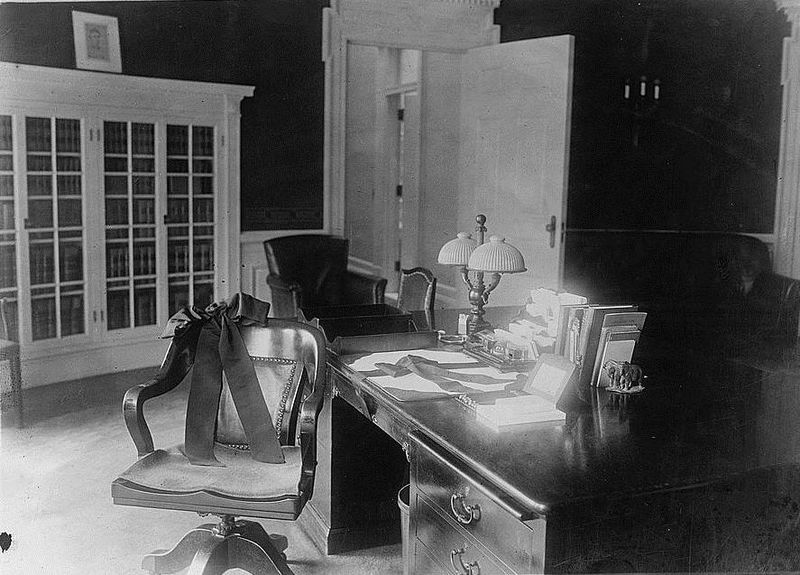 The Roosevelt desk in the oval office during President Warren G Harding's administration.