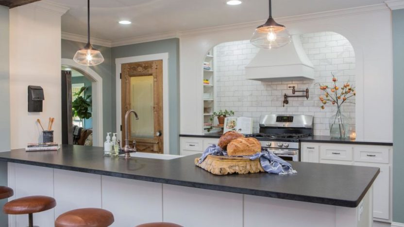 chip kitchen cabinets country design ideas and joanna gaines get a shocking phone call (guess ...