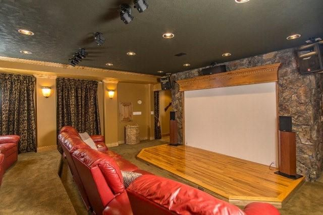 This posh log cabin near Yellowstone has a home theater