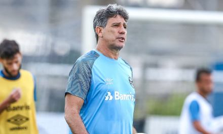 Renato prepara time alternativo para encarar América-MG
