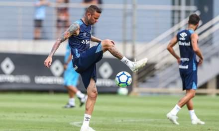 Luan voltou a sentir dor no pé e Grêmio toma providências
