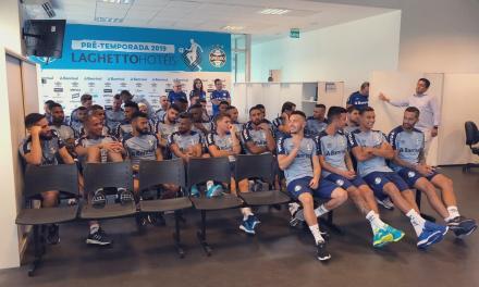Elenco do Grêmio volta aos trabalhos
