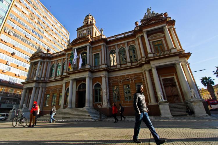 Pesquisa revela avaliação dos prefeitos de Porto Alegre nos últimos 20 anos