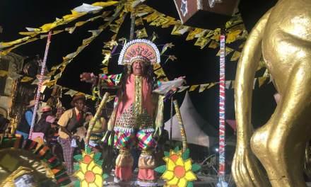 Festa junina, bolo de aniversário e desfile de reis encerram o Carnaval de Porto Alegre