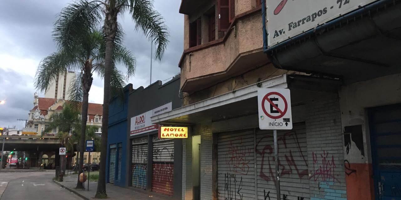 Mulher é assassinada em motel na Farrapos
