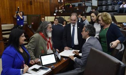Assembleia aprova a PEC que retira a exigência de plebiscito para a venda de estatais
