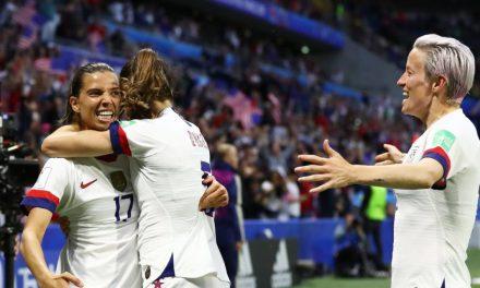EUA vence a Suécia em duelo mais aguardado da fase de grupos