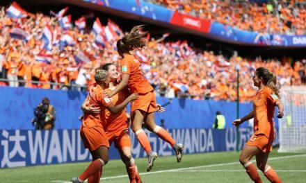 Holanda vence e encaminha classificação
