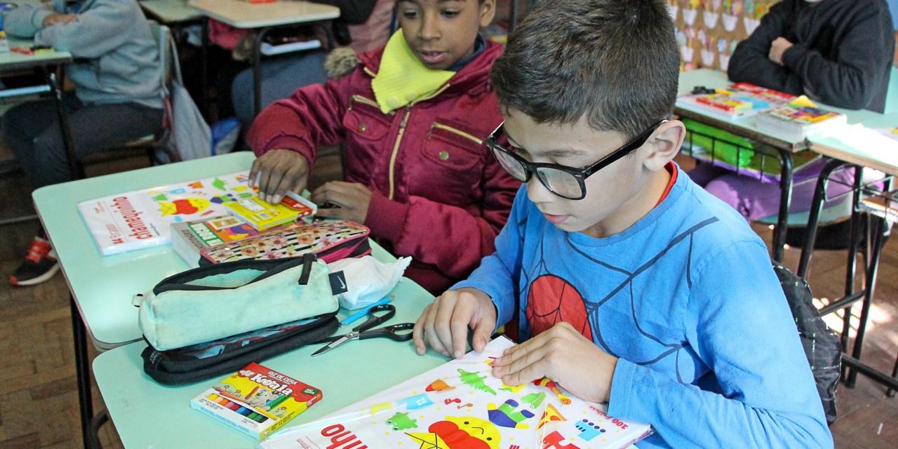Preço do material escolar tem variação média de 165% na Capital