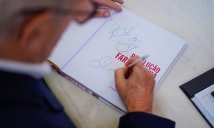 Escritor Luiz Coronel participa do Sarau Café com Letras