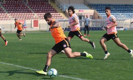 Odair deve usar time reserva contra o Atlético-MG