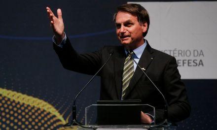 Bolsonaro destaca ações do governo em outubro