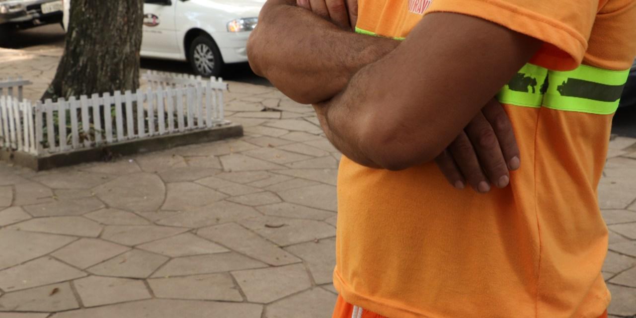 Trabalhadores da limpeza urbana de Porto Alegre não conseguem se proteger contra o novo coronavírus