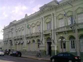 Com bandeira vermelha, Prefeitura de Uruguaiana restringe atividades comerciais
