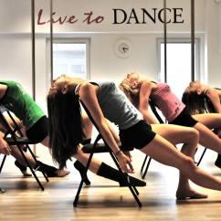 On Chair Dance Ergonomic Living Room Chairs Družba Nas želi Držati V Vlogi Punčke S Punčkami Je