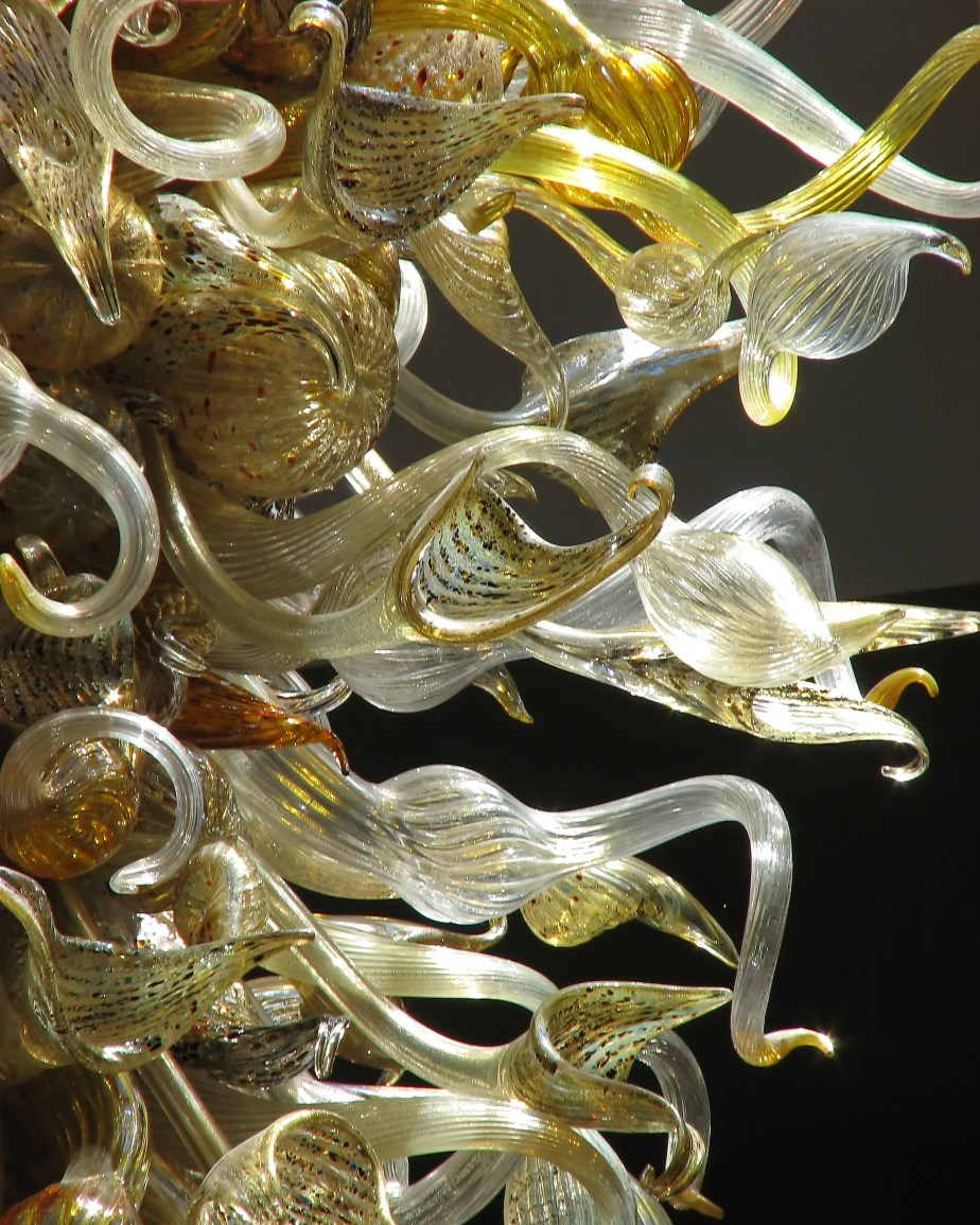 Chihuly_chandalier_-_detail_1