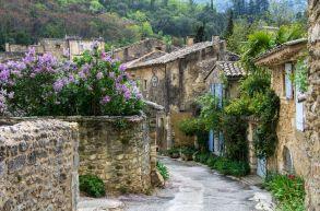 04aOppède le vieux south of france